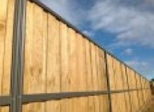 Kwikfynd Lap and Cap Timber Fencing airevalley